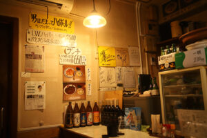 foods bar wakaの店内
